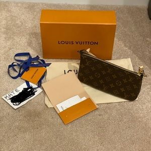 Louis Vuitton pouchette accessories monogram NIB